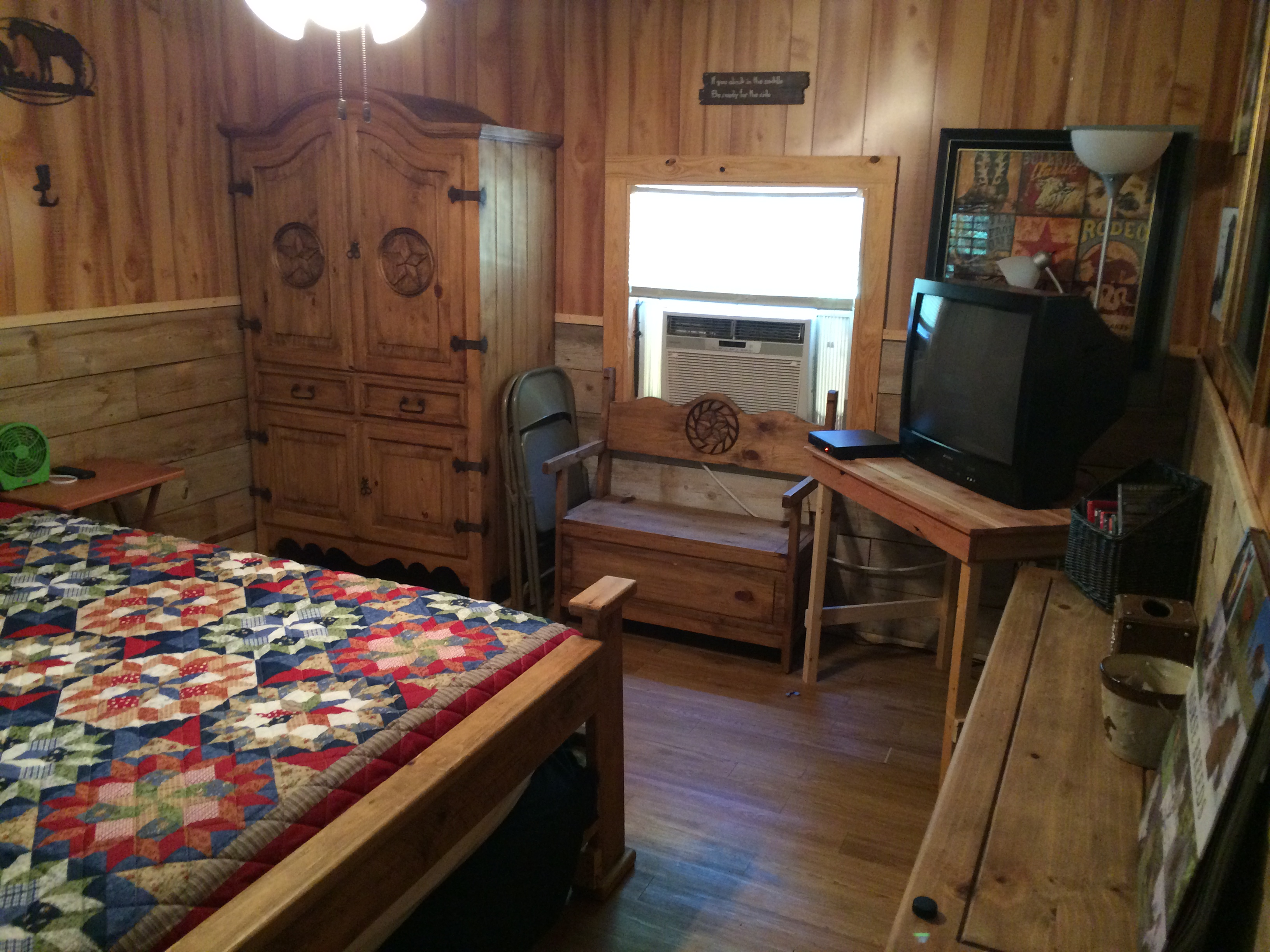 Cabin Creek Clothing: Cabin Creek Cabins: Tyler, Lindale